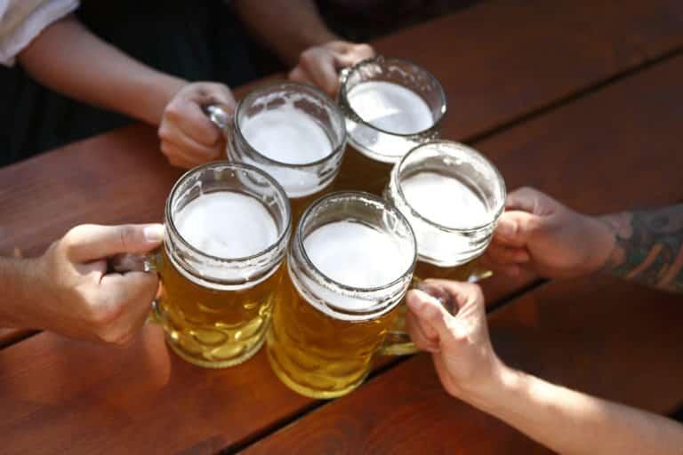 Alcoholism vs. Binge Drinking Problem: Where's the Line?