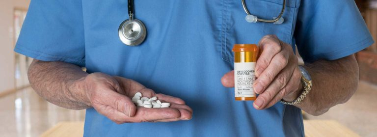 How to Recognize and Deal with Opioid Addiction