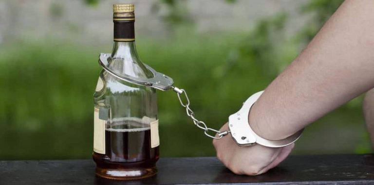What Are the Physical Effects of Alcohol Use Disorders?